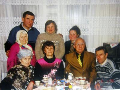 Bratya s zhyonami i tyotya Varya 400x300 - Современные фотографии