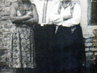 Ded Andrej s vtoroj zhenoj Pashkoj sprava 400x300 - Родственники Екатерины