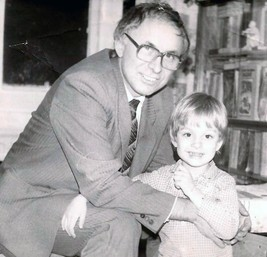 Фото 9. Валерий Парубец с сыном Виктором, Санкт-Петербург,1993 год