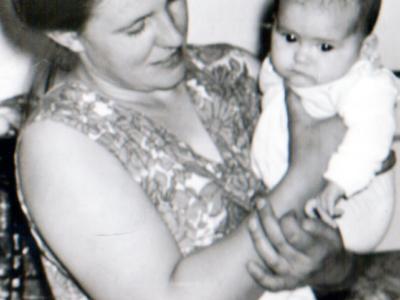 Katya Bojko s docheryu Lenoj 1968 god 400x300 - Фото семьи Екатерины: супруг, дети