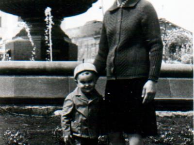 Katya Bojko s synom v Donetske 400x300 - Фото семьи Екатерины: супруг, дети