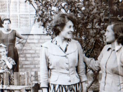 Katya Bojko v Kujbyshevo 400x300 - Сохранившиеся фотографии разных лет: детские и до замужества