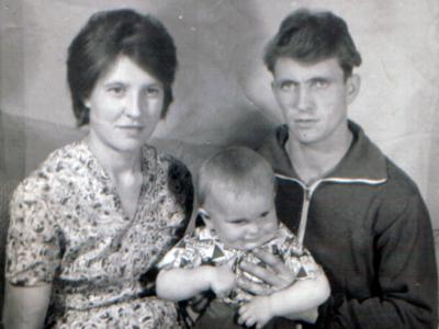 Noginy Ekaterna Anatolij Oleg 400x300 - Фото семьи Екатерины: супруг, дети