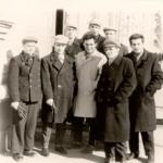 Фото 3. В. Парубец с бывшими детдомовцами. г. Мелитополь