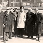 Фото 2. В. Парубец с бывшими детдомовцами. г. Мелитополь
