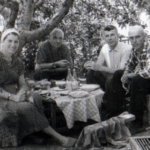 Petr Bojko s zhenoj Galinoj s rodstvennikami Urozhaj. 1963 god Foto V. Parubtsa 150x150 - Сын Пётр