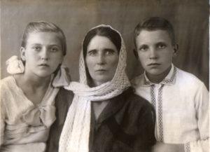 Nadezhda Ivanovna i deti 300x217 - Семейная жизнь