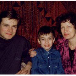 Сын Виктор с мамой Светой и Владом 1995