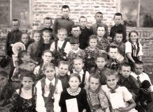 Otskanirovano 30.12 300x220 - Новая фотография из семейного архива Куриленко Александра