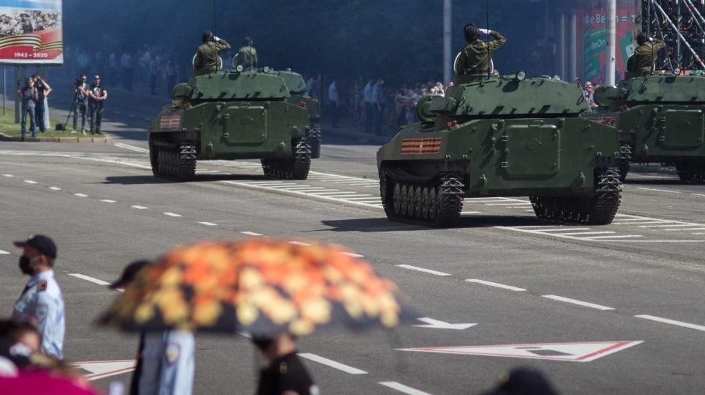 24.06.2020 11 - Вопреки COVID-19: Донецк провел военный парад