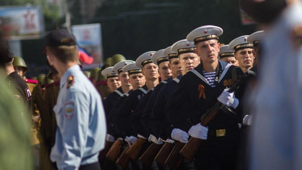 24.06.2020 6 - Вопреки COVID-19: Донецк провел военный парад