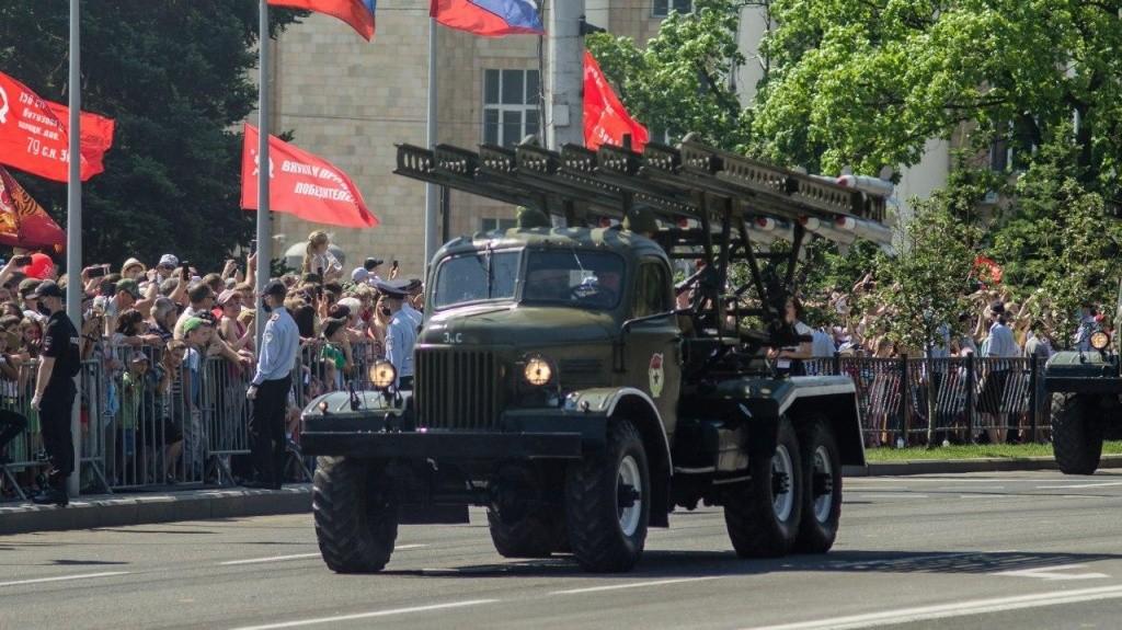 24.06.2020 9 - Вопреки COVID-19: Донецк провел военный парад